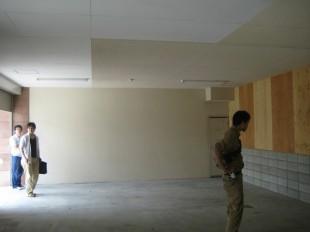ふくやま整骨院・鍼灸院の待合室内装施工前と後