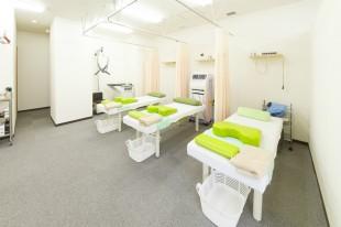 とだ鍼灸整骨院 内装施工前と施工後