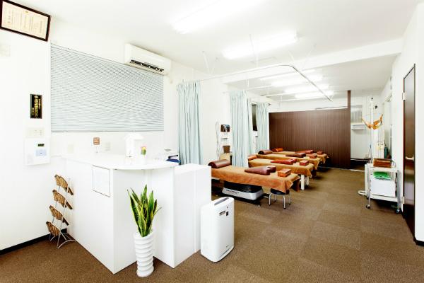 整骨院・鍼灸院など治療院の受付カウンター (10)