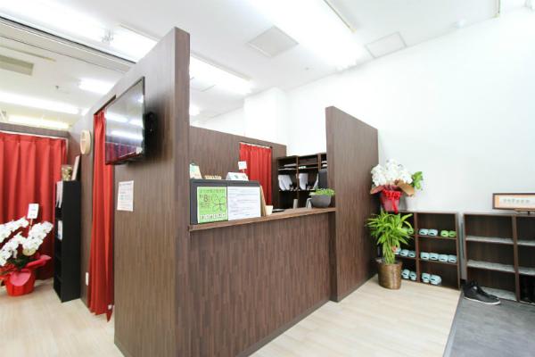 整骨院・鍼灸院など治療院の受付カウンター (11)